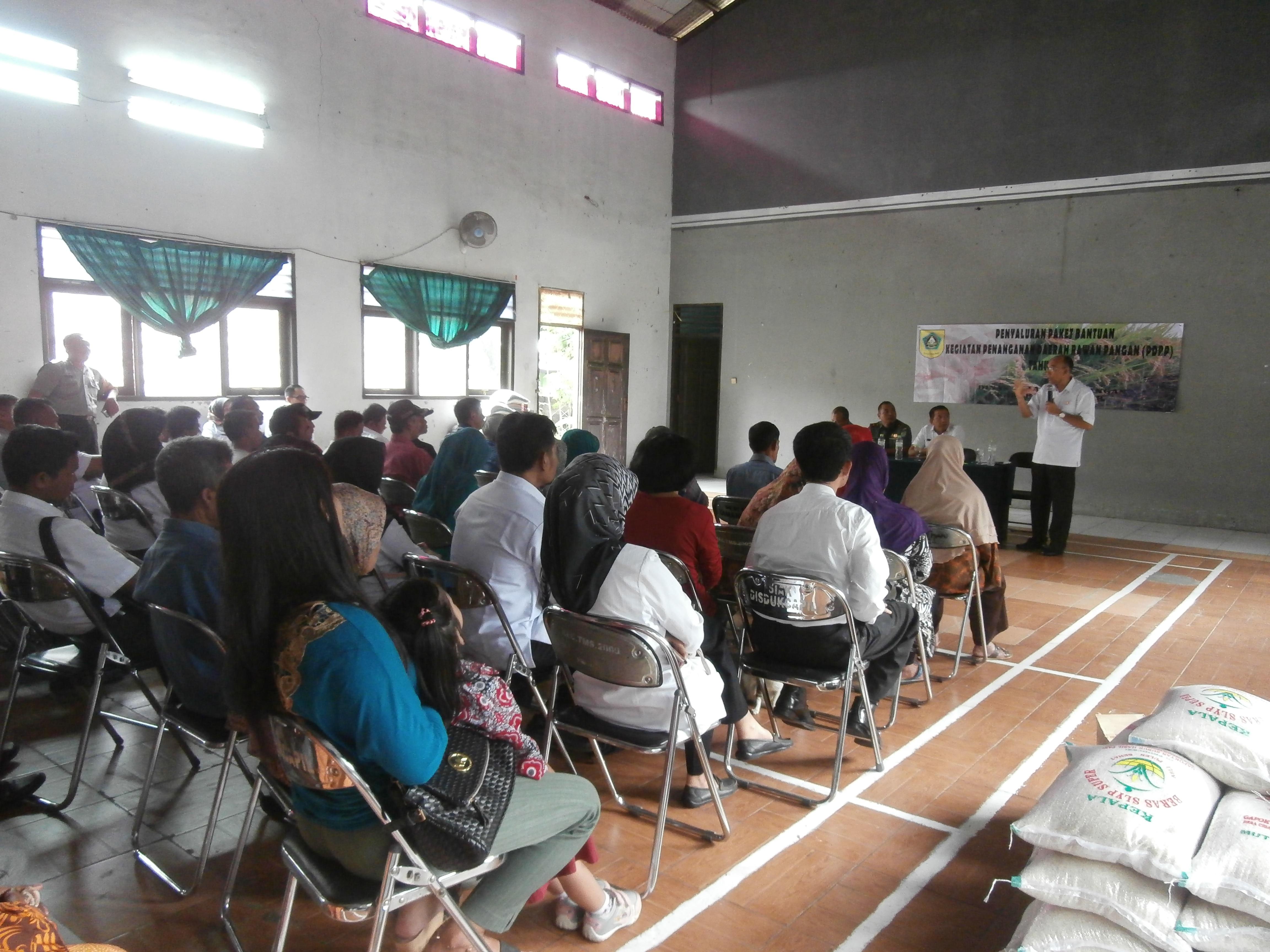 Sambutan dan Pengarahan Kepala Dinas Ketahanan Pangan dalam rangka penyaluran bantuan kegiatan Penanganan Daerah Rawan Pangan