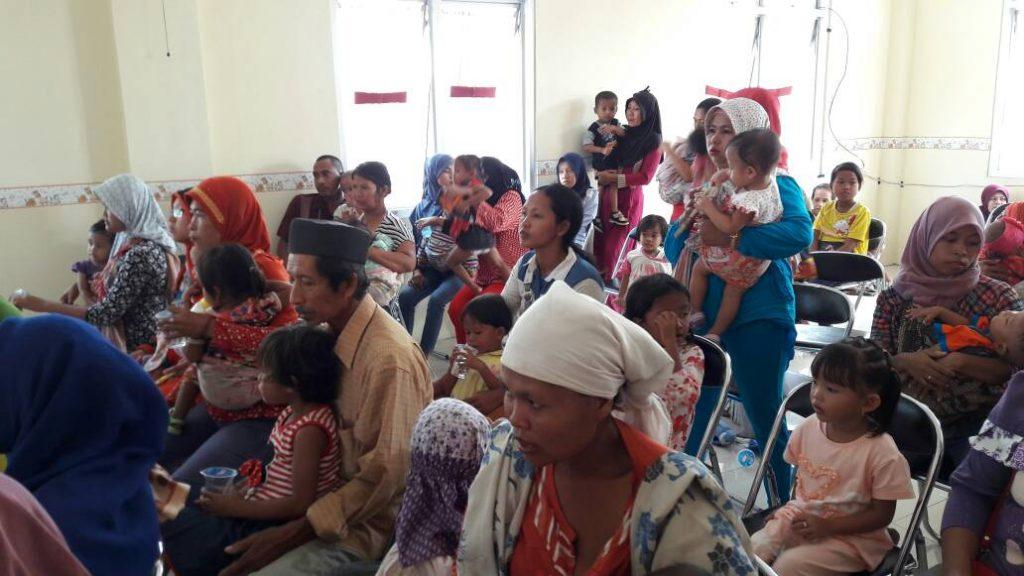 Para balita gizi kurang dari Kecamatan Parung Panjang saat akan menerima bantuan PMT di Aula Puskesmas Parung Panjang