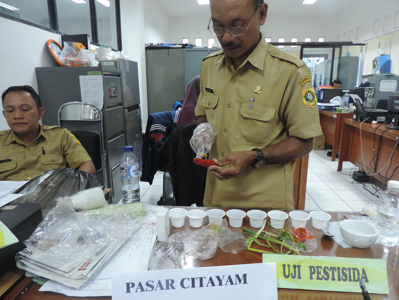 Uji Keamanan Pangan yang dilakukan oleh Dinas Ketahanan Pangan terhadap beberapa pasar yang berada di wilayah Kab. Bogor
