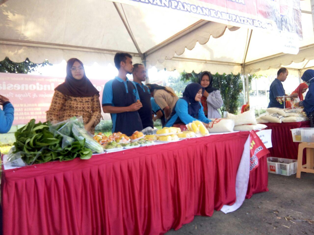 Bazaar murah DKP Kab. Bogor yang menjual beras dan pangan segar