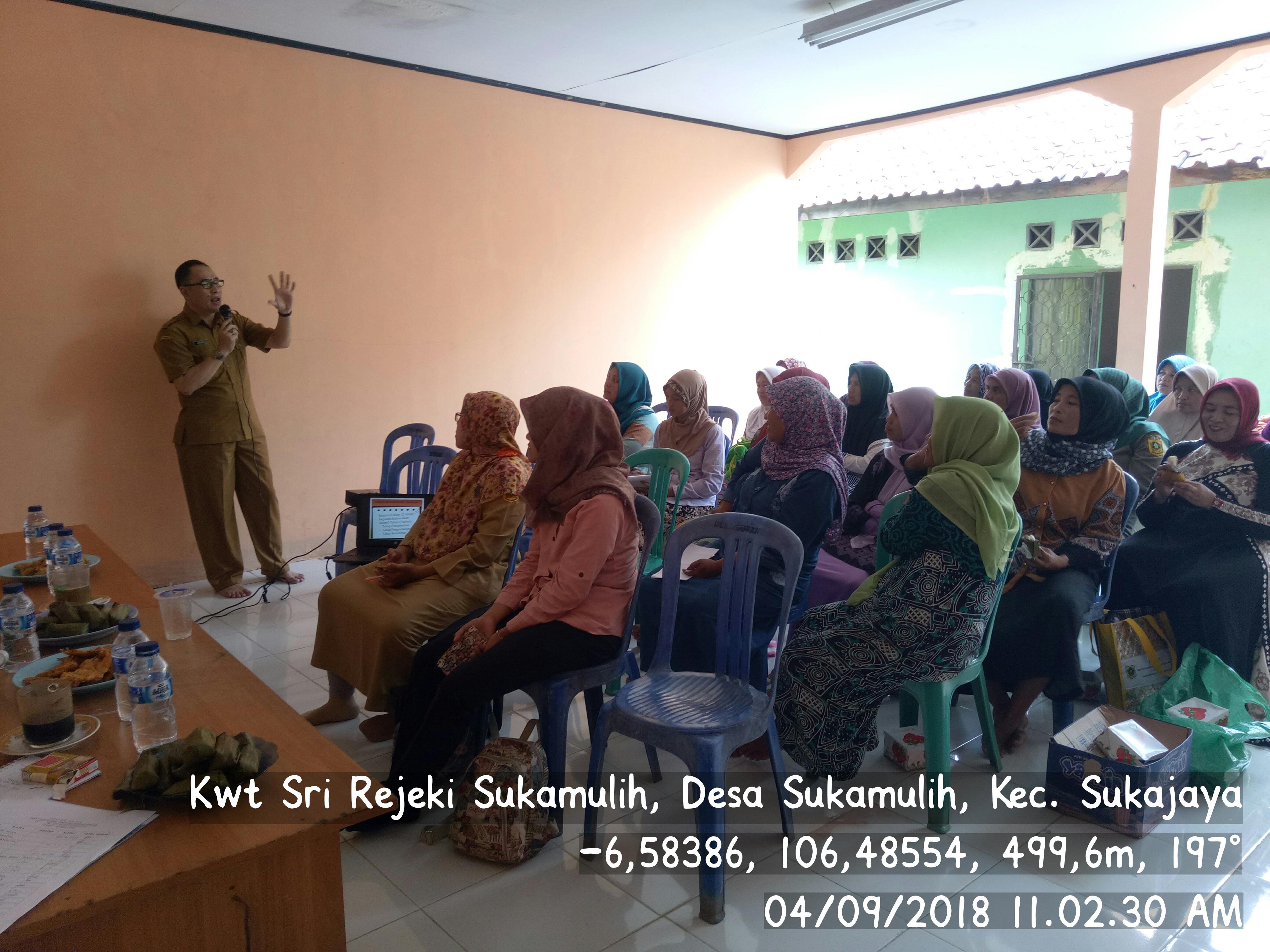 Sosialisasi kegiatan KRPL oleh Dinas Ketahanan Pangan Kab. Bogor ke KWT Sri Rejeki Desa Sukamulih