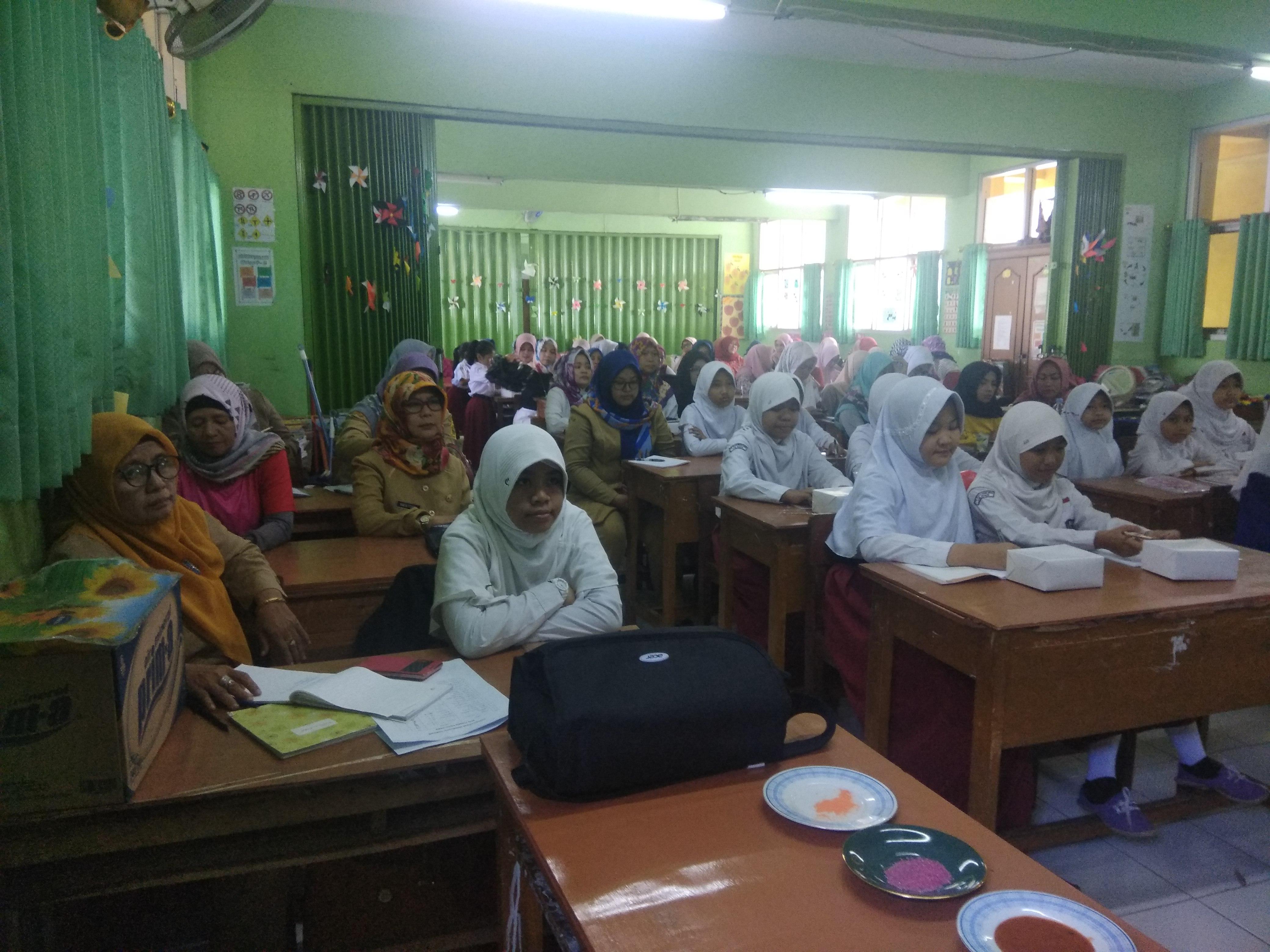 DKP Kab. Bogor rutin adakan sosialisasi Keamanan Jajanan Anak Sekolah kepada siswa, guru dan orang tua